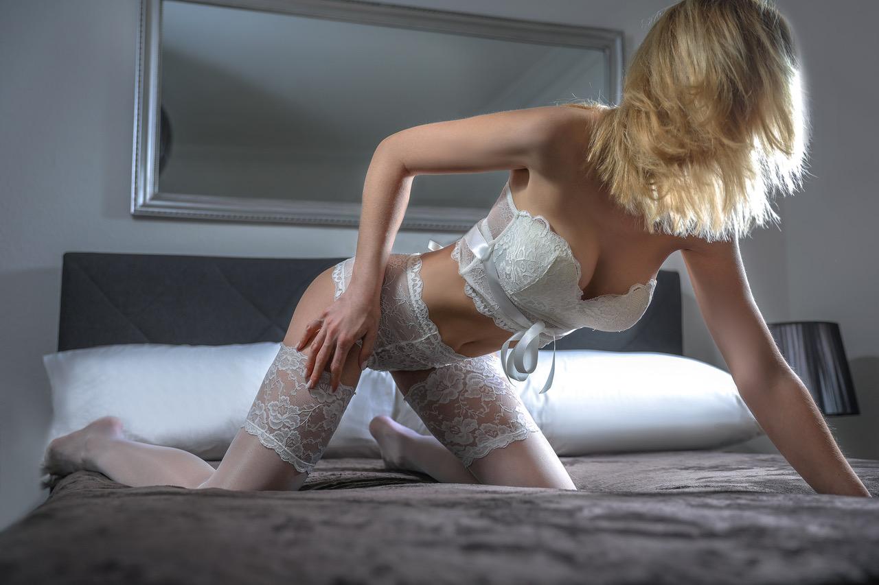 cristina-lausanne-verbier-escorte-service-geneve-agence-escort.jpg