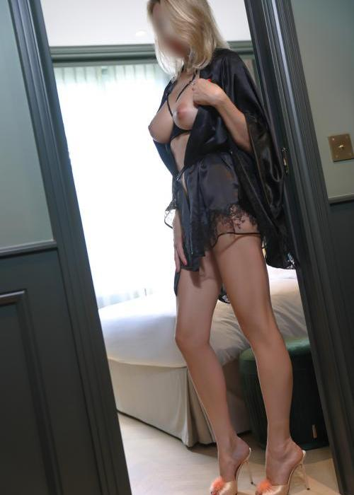 Julie | superbe escorte de luxe, sexy escort girl, Dreams agency