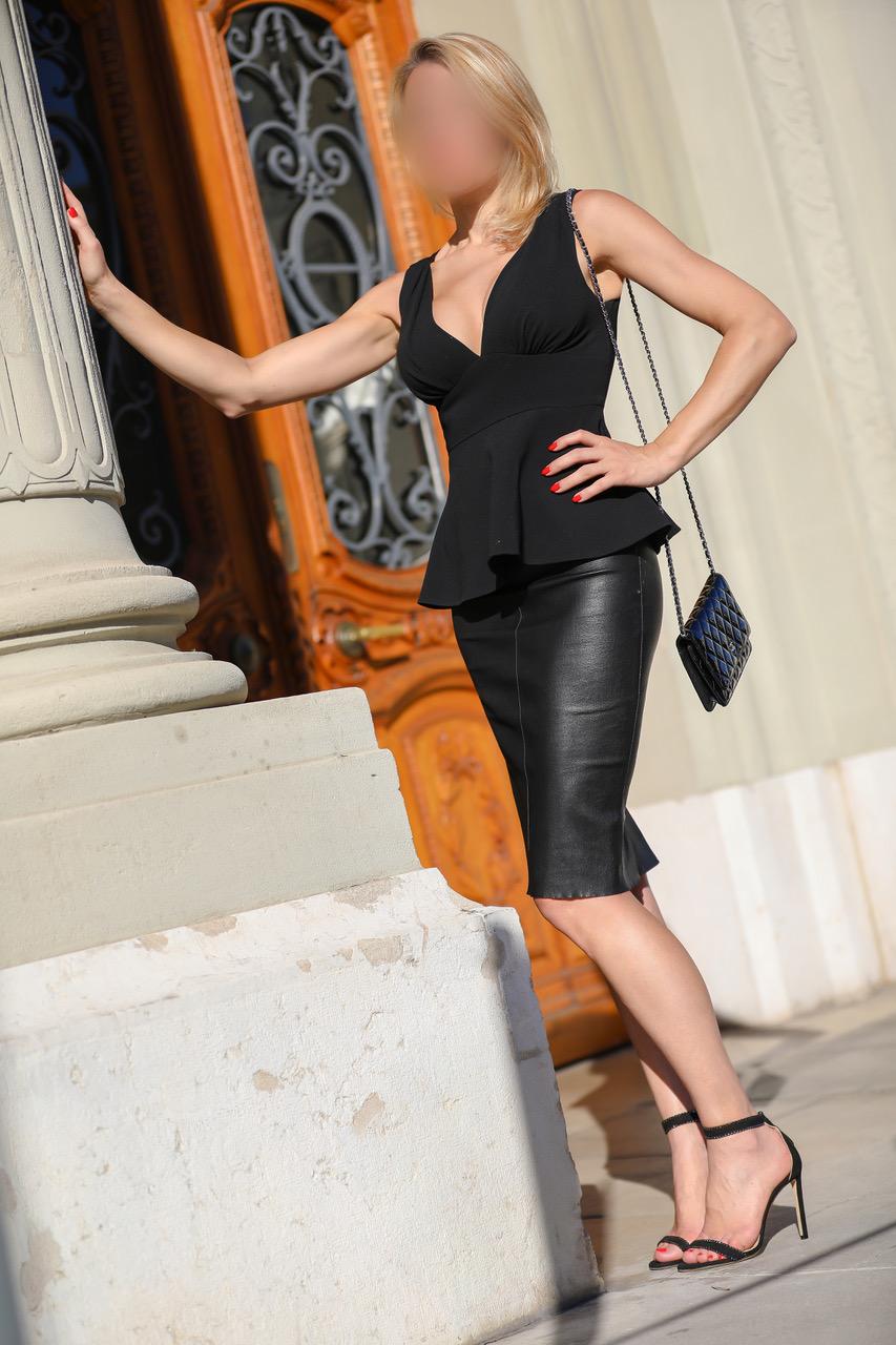 julie-vip-escorte-dubai-paris-monaco-agence-geneve-vip.jpg