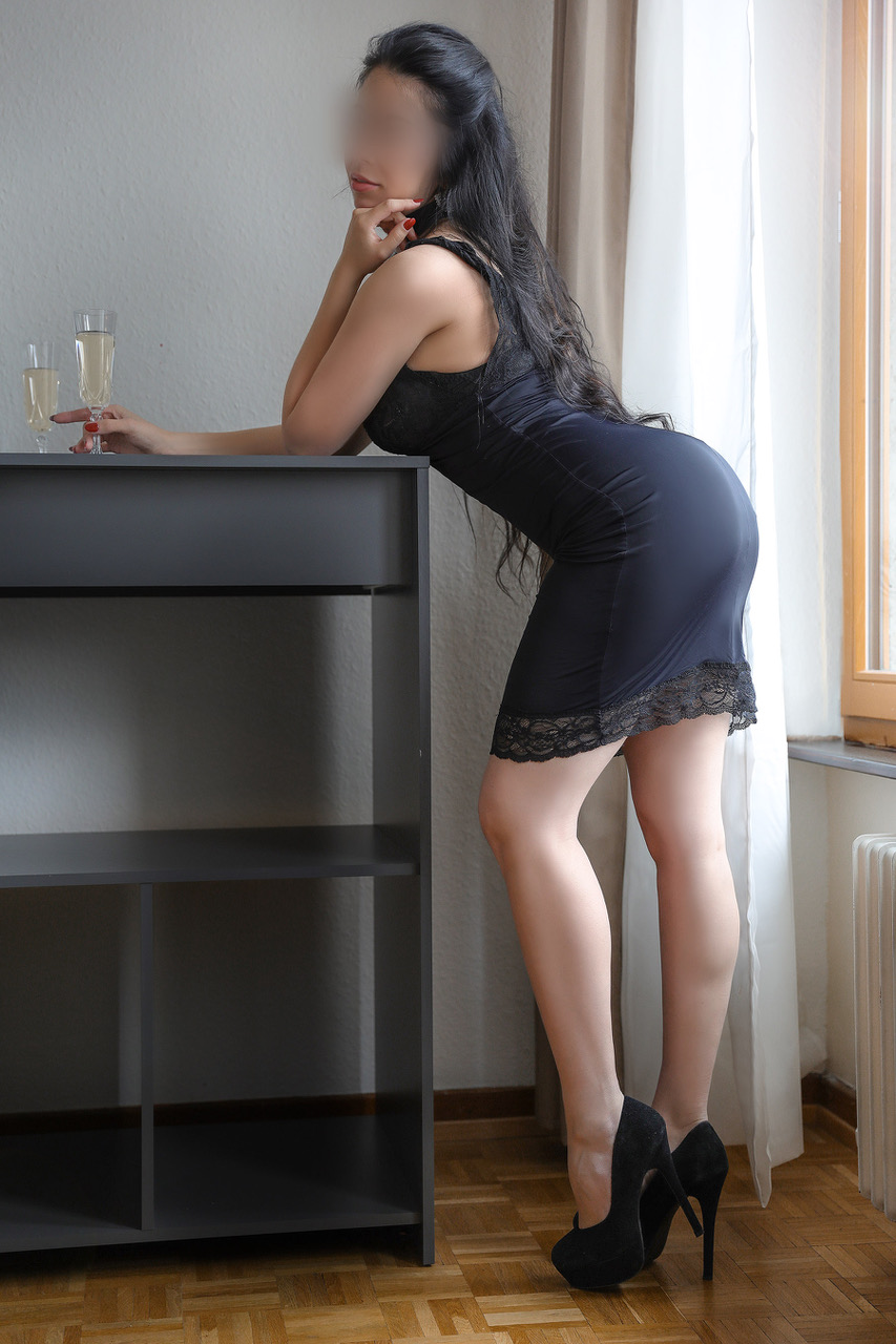 lola-escorte-geneve-paris-agence-suisse-2.jpg