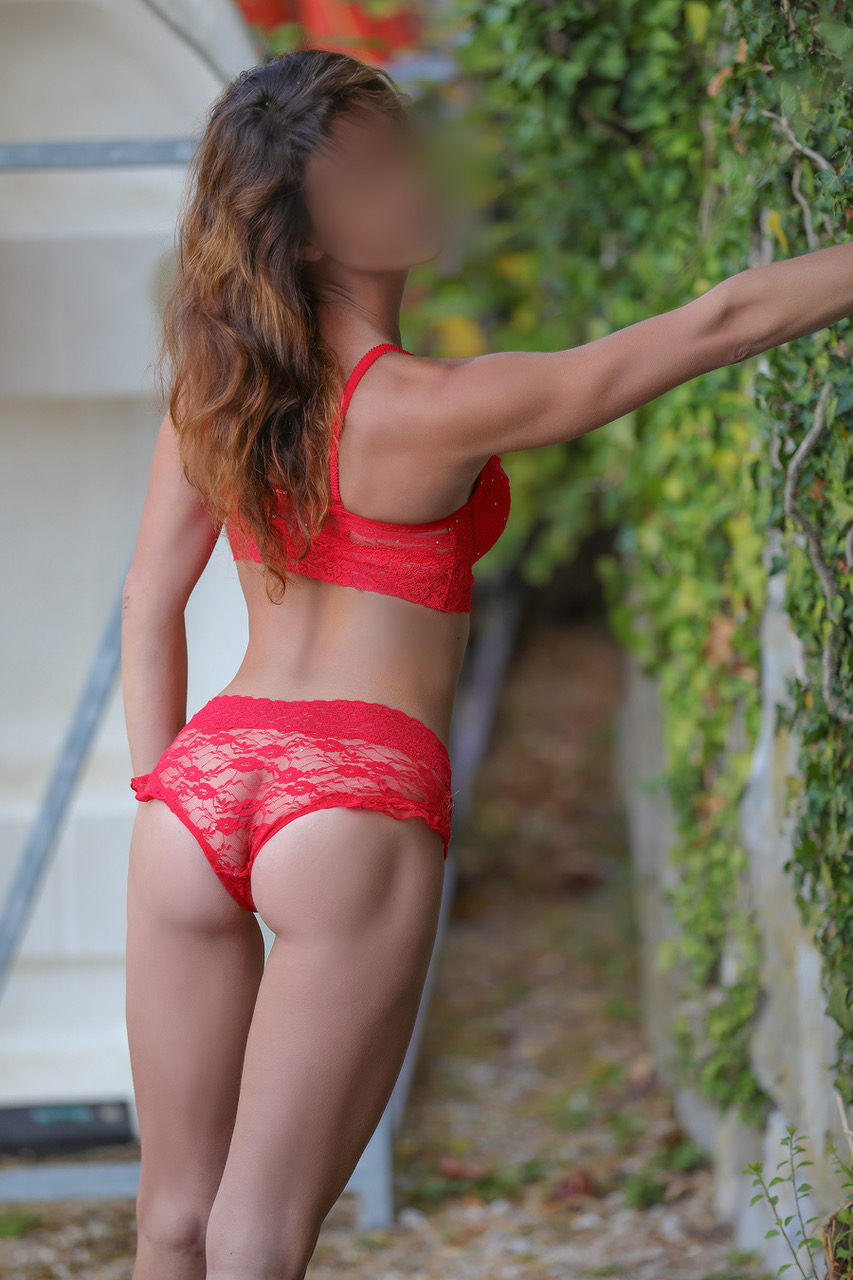 melinda-dreams-geneva-escorte-girl-vip-milf-escort-3.jpg