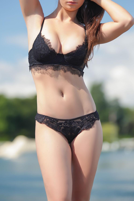 nina-escortes-girl-geneve-paris-london-escorte-service-swiss.jpg