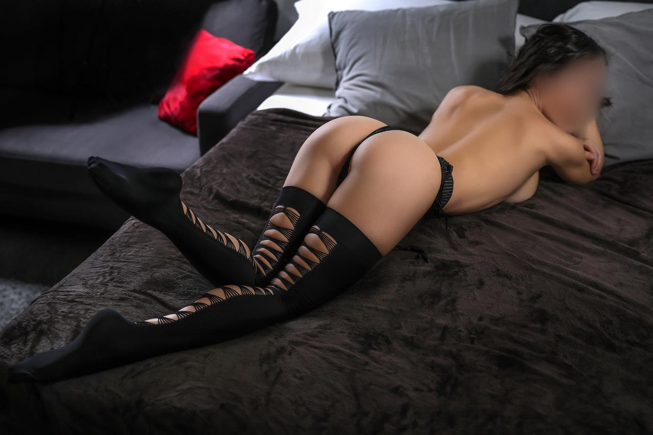 roxanne-escorte-vip-lausanne-agence-luxe-escort-geneve-suisse.jpg