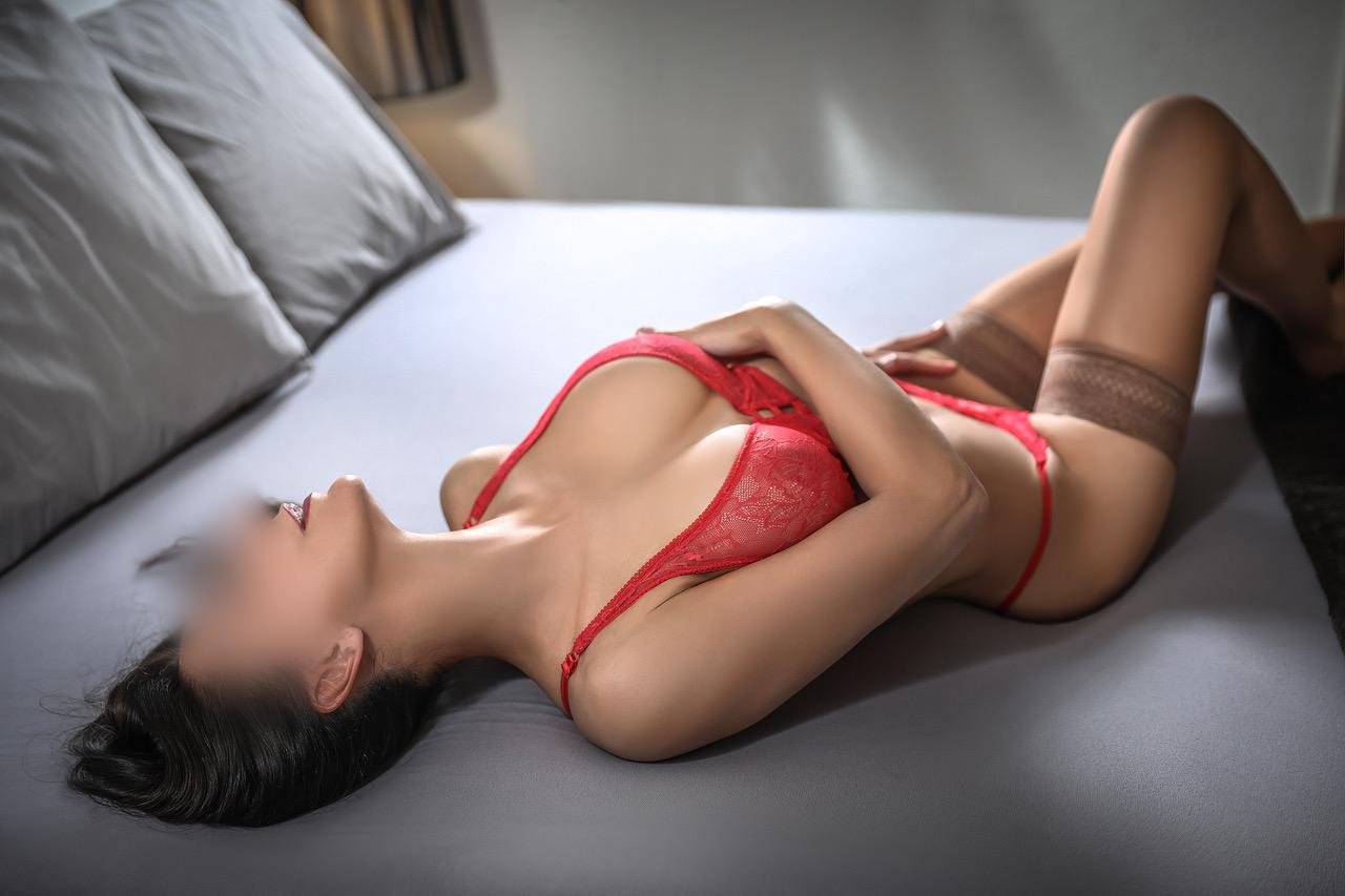 susan-escort-vip-london-escort-geneve-agence-suisse.jpg